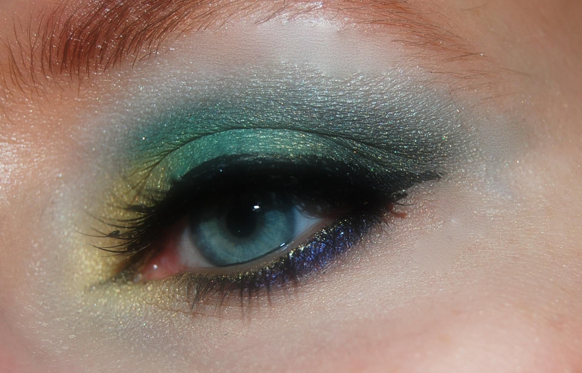 make-up con cosmetici naturali o biologici