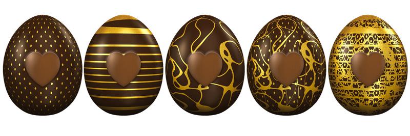 uovo di pasqua decorato con colore oro