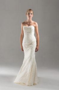 abito da sposa etico e eco sostenibile in lino ricamato modello sirena